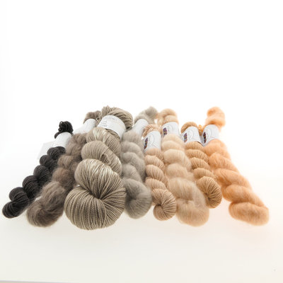 Knitting kit 'Veertje' - Sahara sand
